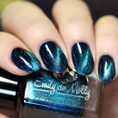 """polish - """"Seventh Seal"""" A green to purple/blue multichrome magnetic effect. - -Nail polish - """"Seventh Seal"""" A green to purple/blue multichrome magnetic effect. - - Pink and Purple Ombre Manicure Pink and Purple Ombre Manicure in 2019 Winter Nails, Spring Nails, Cute Nails, Pretty Nails, Gorgeous Nails, Diy Nails, Nails Only, Magnetic Nails, Pin On"""