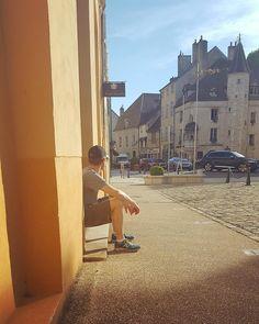 En réflexion dans un pays lointain... #été #france #bourgogne #baune #voyage #tbt #soleil #throwbackthursday
