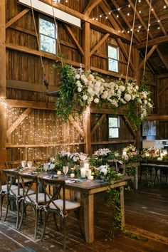 Barn Wedding Decorations, Wedding Themes, Wedding Tips, Wedding Venues, Wedding Couples, Wedding Reception, Table Decorations, Farm Wedding, Rustic Wedding