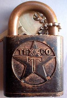 Antique vintage TEXACO gas oil diesel fuel truck embossed padlock lock w key. Under Lock And Key, Key Lock, Antique Keys, Vintage Keys, Fuel Truck, Pompe A Essence, Door Knobs And Knockers, Old Gas Stations, Old Keys