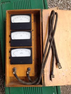 Vintage Meters Volts Ac/Dc Amps-with Wooden Box – Assembly Products    eBay