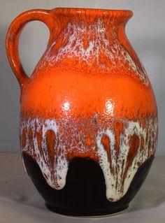 Jasba N 046 12 14 WGP design Keramik Vase 60s Vintage art Pottery Modernist von AncientGermanPottery auf Etsy https://www.etsy.com/de/listing/518036172/jasba-n-046-12-14-wgp-design-keramik