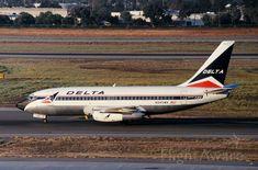 Delta, Boeing 737-247 (N245WA) at KSJC June 2000
