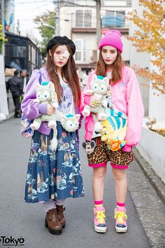 always spotted in Harajuku ... sisters Yurika (left, 24 years old) & Mizuho (right, 22 years old) | 30 November 2014