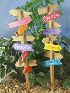 Do you know the way to Neverland? The Shire? Lilliput? Now your fairies and gnomes can find their way. Available in either STAKE STYLE (9 tall) or