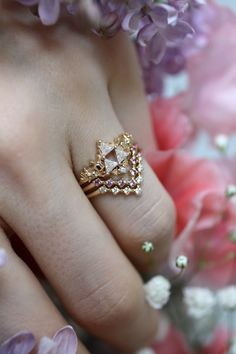 My favorite ring stack for spring - The Goddesses' Relic Ring, the Super Pixel Arrow Ring of Wisdom, and the Super Pixel Arrow Ring of Light Unique Diamond Rings, Diamond Wedding Rings, Cute Jewelry, Jewelry Accessories, Princesa Zelda, Arrow Ring, Dream Engagement Rings, Pretty Rings, Fantasy Jewelry