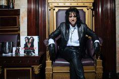 Alice Cooper, Delivers Multi-Million-Dollar Music Lessons With New Album: Alice Cooper, Go Ask Alice, Album Sales, Alternative Music, Rock Legends, Black Sabbath, Music Lessons, The Villain, Best Shows Ever