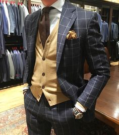 Classy Dapper // Suits Ties and Bowties Gentleman Mode, Gentleman Style, True Gentleman, Sharp Dressed Man, Well Dressed Men, Mens Fashion Suits, Mens Suits, Style Masculin, Designer Suits For Men