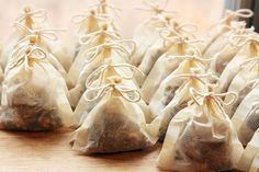 Homemade Mulling Spice Mix..Little packages of mulling spices to perk up your holiday party beverages- package for a great holiday gift