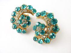 1940s Vintage Aqua Rhinestone Earrings Paste glass