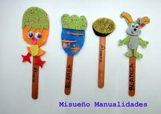 Puntos de libro con fieltro y un palito de helado.  Taller infantil abril 2015.  www.misuenyo.com / www.misuenyo.es