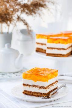 Caramel mascarpone with peach gelatin no bake dessert Baked Peach, Tiramisu, Caramel, Cheesecake, Cupcakes, Sweets, Baking, Top 14, Ethnic Recipes