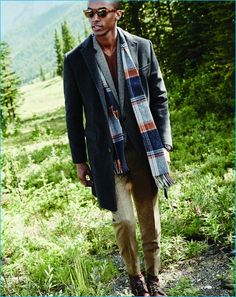 Crew In Good Company: Abraham Moon scarves. These cozy scarves are made in Leeds, England, at the Abraham Moon mill (est. and are knit in traditional plaid patterns. Grey Overcoat, J Crew Men, Mens Style Guide, Gentleman Style, Men Looks, Stylish Men, Dress Pants, Suit Pants, Style Guides