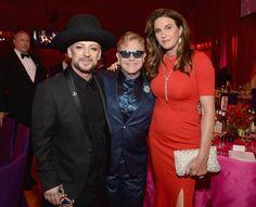 Pin for Later: Les Stars S'éclatent à la Soirée Organisée Par Elton John Pour les Oscars Elton John, Boy George, et Caitlyn Jenner