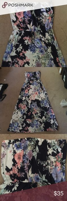 Strapless floral maxi dress NWOT strapless maxi dress. Beautiful floral design, soft material. 96% polyester 4% spandex. Stretchy material so it will be comfortable even when it's hot out!!! Boutique Dresses Maxi