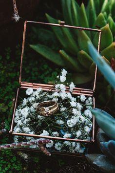 De DIY bruiloft van Niels en Ingeborg – Wedding For My Life Wedding Ring Guide, Ring Holder Wedding, Wedding Blog, Diy Wedding, Dream Wedding, Wedding Ideas, Enchanted Forest Wedding, Woodland Wedding, Pretty Wedding Rings