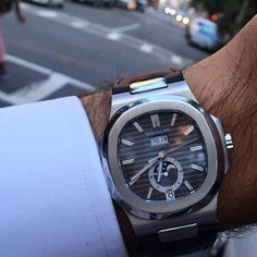 The walk home with the newly landed Patek Philippe 5726 Nautilus Annual…