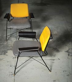 BAUHAUS SPECIAL EDITION PRINTED LITTLE ARMCHAIR Кресло. Размеры: 71 х 72 х 71 см. Материал: кожа, металл. Дизайн: Draga & Aurel. Производитель: Baxter. Страна: Италия. #РеальныйОбъект_Gb #RealObject_Gb #Gboda #GbodaDesign #дизайн #design #мебель #furniture #кресло #armchair #BAUHAUS #DragaAurel #Baxter