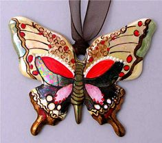 Handpainted by Jean-Pierre Richard 🇨🇭 on 0104 - Papillon Chikae by Bijoux de Passy Butterfly Frame, Magical Creatures, Cool Paintings, Diy Clay, Jellyfish, Diy Jewelry, Butterflies, Alphabet, Polymer Clay