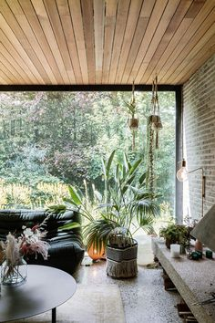 Interior Architecture, Interior Design, Mid Century Style, Home Projects, Home Improvement, Lounge, House Design, Windows, Living Room