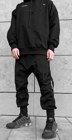 Black Outfit Edgy, Hoodie Outfit Casual, Cyberpunk Clothes, Cyberpunk Fashion, Mode Streetwear, Streetwear Fashion, Style Casual, Men Casual, Japanese Streetwear