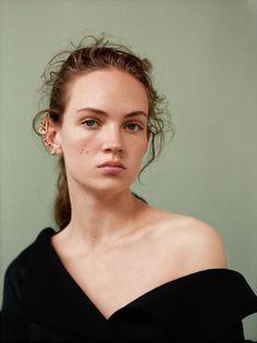 Smile: Adrienne Jüliger in Dior Magazine Issue #16 Fall 2016 by Julia Noni