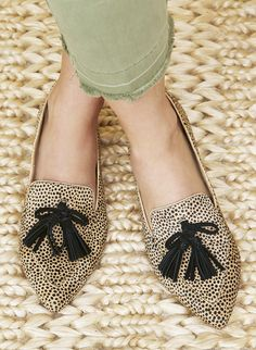 0265aaa3543 Cheetah dot pointed loafers with tassel bows