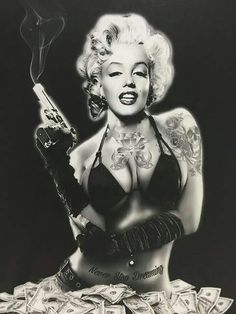 Get em marilyn Marilyn Monroe Tattoo, Marilyn Monroe Kunst, Marilyn Monroe Drawing, Marilyn Monroe Artwork, Chicano, Rocknroll, Black And White Comics, Gangster Girl, Sexy