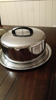 Check out this item in my Etsy shop https://www.etsy.com/listing/523621747/chrome-cake-carrier