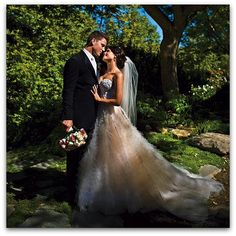 Channing Tatum & Jenna Dewan wedding. so sweet...her dress is amazing!!! :)