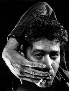 Alain Bashung Naissance 1er décembre 1947 Paris, France Décès 14 mars 2009 (à 61 ans) Paris, France Activité principale Chanteur, musicien, acteur Genre musical Rock, new wave Années actives 1966-2009