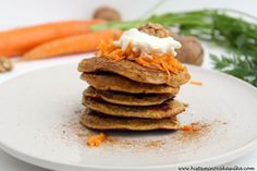 SOUVISEJÍCÍ Carrot Cake Pancakes, Carrots, Paleo, Breakfast, Sweet, Morning Coffee, Candy, Carrot, Beach Wrap