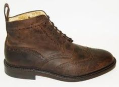 Brogue boots: cano alto e brogues - duas trends in one...
