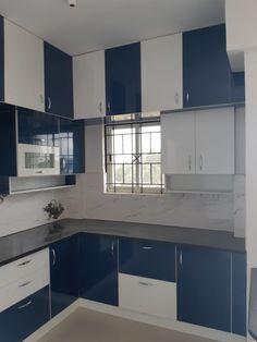 Kitchen Wardrobe Design, Kitchen Room Design, Pantry Design, Interior Design Kitchen, Kitchen Decor, Simple Kitchen Cabinets, Kitchen Cupboard Designs, Modern Kitchen Interiors, Modern Kitchens