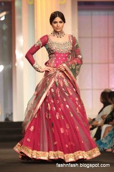 Indian-Pakistani-Bridal-Wedding-Dresses-2012-13-Bridal-Saree-Lehenga-Gharara-Dress-11