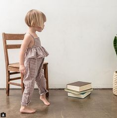 Delicately girlie our ruffle jumpsuit comes in fawn gingham & navy floral this . - Delicately girlie our ruffle jumpsuit comes in fawn gingham & navy floral this . Little Girl Outfits, Little Girl Fashion, Toddler Fashion, Fashion Kids, Outfits Niños, Kids Outfits, Girlie Style, Baby Style, Modern Baby Clothes