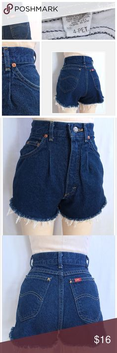 """Vintage 80s Lee Dark Denim Shorts//Size 24-25 Vintage 80s Lee Dark Denim Shorts//Measurements: Waist 24-25"""" + Front Rise 12"""" + Back Rise 15""""//Can be cuffed or without if you prefer a little length//Great Condition!! Let me know if you need add'l info or pics😁 Vintage Lee Denim Shorts Jean Shorts"""