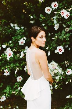 modern wedding gown - photo by Pat Furey http://ruffledblog.com/upstate-new-york-wedding-at-bedford-post-inn