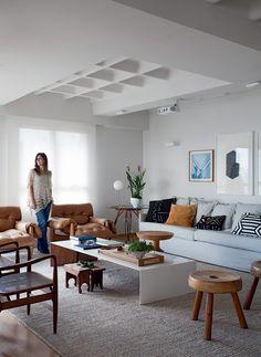 Base neutra, integração dos espaços para o convívio da família e decoração atemporal definem o projeto de 250 m² assinado por Daniela Berland, do escritório Díptico Design de Interiores