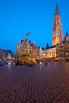 Antwerp's Grand Square at dusk. De Grote Markt van Antwerpen #belgium