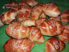 Μαρμελαδενια Croissant Donut, Greek Cooking, Greek Recipes, Pretzel Bites, Hot Dog Buns, Bagel, Finger Foods, Donuts, Food And Drink