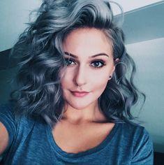 ¿Necesitas una chica con cabello fantasía? ?   Aquí alguna sugerencas