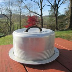 Vintage Cake Carrier With Locking Lid  Regal by SimplySuzula