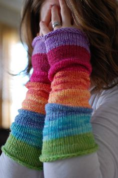 Rainbow Toast arm warmers by Ravelry user Squeakybean {Toast pattern by Leslie Friend} - cute way to use mini skeins of yarn Loom Knitting, Knitting Patterns, Crochet Patterns, Knitting Machine, Hat Patterns, Start Knitting, Free Knitting, Fingerless Gloves Knitted, Knit Mittens