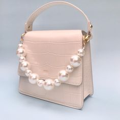 JW PEI Official Shop. Up To 50% Off. Unique Design Vegan Leather Bags Online. Affordable Price. Shop Now. Pink Handbags, Fashion Handbags, Purses And Handbags, Fashion Bags, Luxury Purses, Luxury Bags, Baguette, Pearl Chain, Best Bags