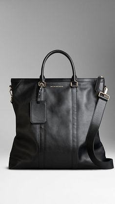 Shop men's bags from Burberry, a runway-inspired collection featuring briefcases and backpacks, as well as crossbody and tote bags for men. Leather Work Bag, Large Leather Tote Bag, Mens Leather Tote Bag, Big Tote Bags, Womens Tote Bags, Duffle Bags, Men's Totes, Piel Natural, Tote Backpack