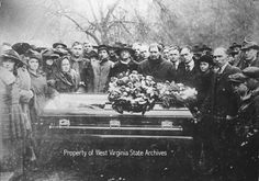 "Hatfield and McCoy Feud- ""Devil Anse"" funeral.  Left to right--Thelma Latelle LaFollett, Mrs. Elliott Hatfield, Nancy Hatfield Vance, Rose Hatfield Browning, Mrs. Anderson Hatfield (wife), Tennis Hatfield, Elliott Mitchel, Elizabeth Hatfield Caldwell, Jonse Hatfield, Smith Hatfield, Emma Smith, Elea Hatfield, C. A. hatfield, ""Cap"" hatfield, Bob Hatfield, Dr. Elliott Hatfield, Murel Hatfield Beres, Joe Wolfe, Ples Browning, Cook boys"