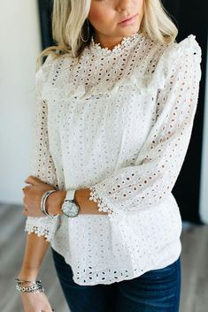 Blouses for women – Lady Dress Designs Blouse Styles, Blouse Designs, Casual Outfits, Fashion Outfits, Womens Fashion, Fashion Clothes, Summer Outfits, Fashion Trends, White Blouse Outfit