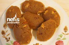 şahane imiş....Cevizli Un Helvası Ramadan Desserts, Ramadan Recipes, My Favorite Food, Favorite Recipes, Turkish Sweets, Turkish Recipes, Cake Recipes, Yummy Food, Delicious Recipes