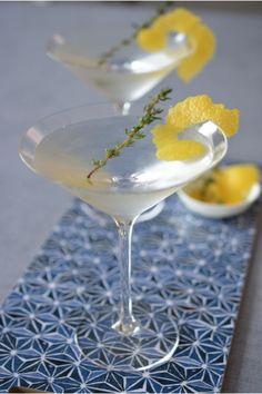Mixing a lemon thyme martini for Teroforma!